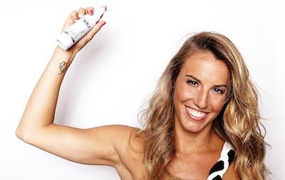 Tania Cagnotto testimonial per il lancio di Simply Gloss