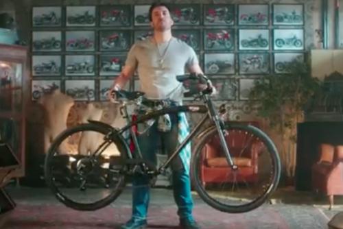 """""""Una bici così o te la fai tu o te la regala Unieuro"""""""