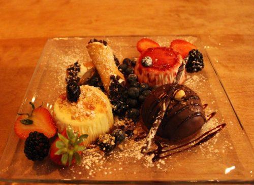 Gli invitanti dolci del ristorante italiano Cibo- Foto di Grigore Scutari