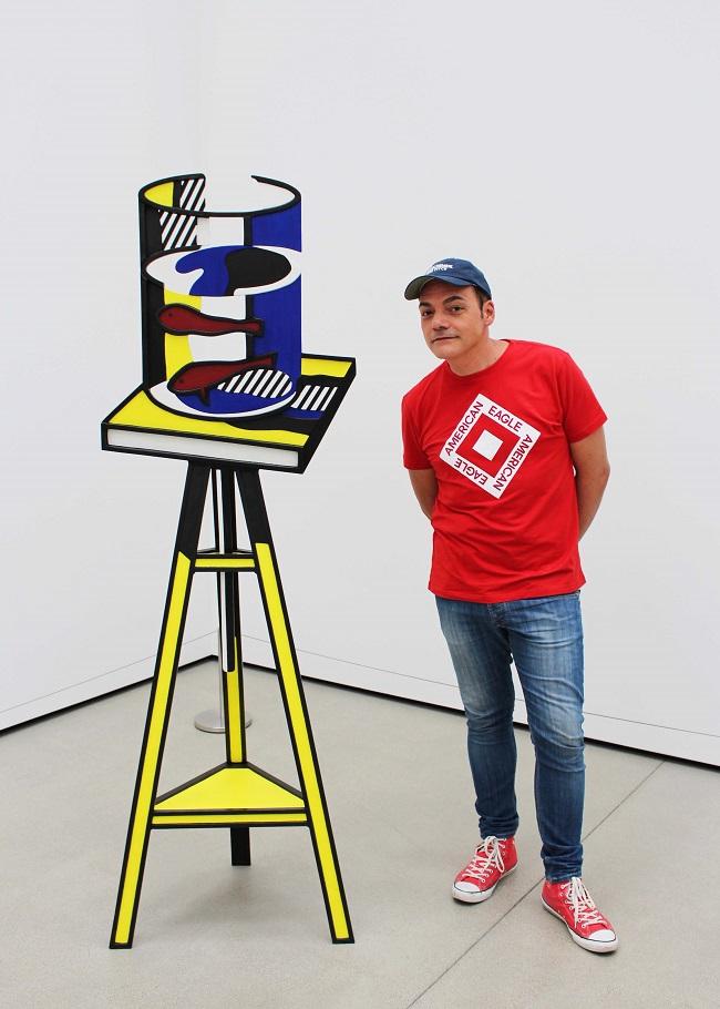 Igor Righetti in una delle sale del Broad Museum. Foto Grigore Scutari