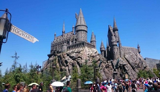 Il castello di Hogwarts all'interno degli Universal Studios Hollywood, attrazione dedicata al celeberrimo maghetto Harry Potter e al suo mondo. Foto Grigore Scutari