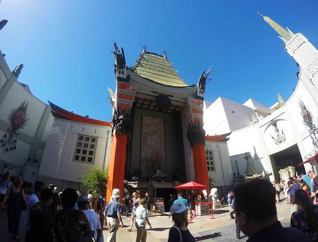 Tlc Chinese theatre la struttura esterna ricorda una pagoda cinese. Foto Grigore Scutari