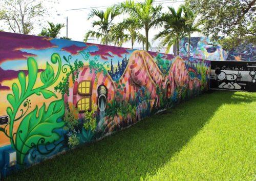 Un colorato murale di Wynwood art district. Foto Grigore Scutari