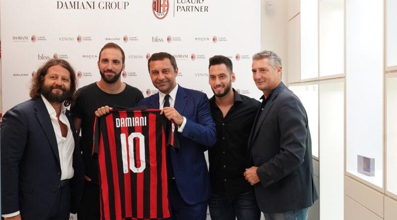 Guido e Giorgio Damiani con da sinistra Gonzalo Higuain, Hakan Calhanoglu e Daniele Massaro
