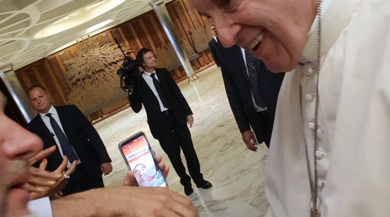 Vaticano Audizione Papa Francesco AGE il Prof Francesco Pira con il Sommo Pontefice 2