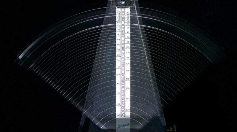 Il nuovo generalismo della radio: il metronomo