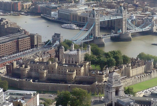 2Tower_of_london_from_swissre