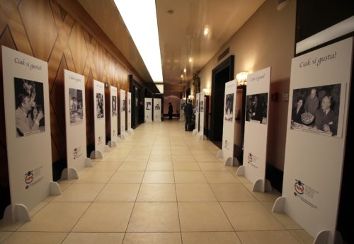 Alcune delle immagini eccezionali della mostra Ciak si gusta! allestita nella sede della Fipe di Roma